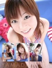 山田悠香 ボーダーの水着でキュートに。